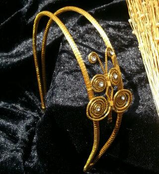 Serre tête or végétal en capim dourado