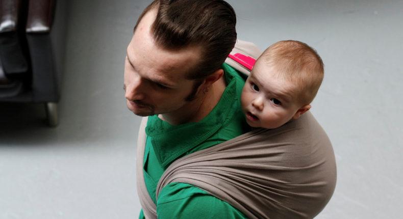 Les écharpes de portage pour papa © Je porte mon bébé