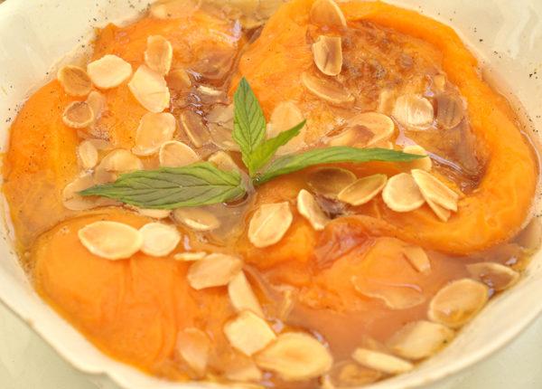 Compote d'abricots aux amandes