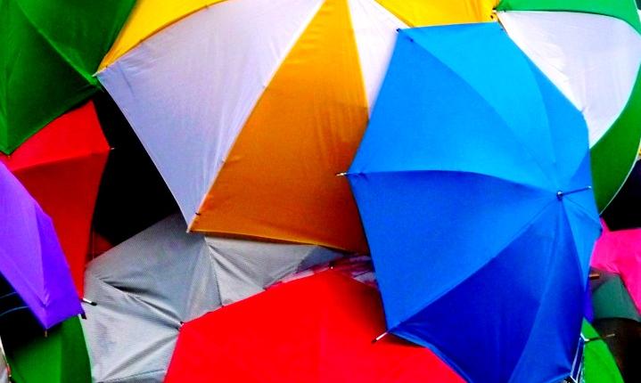 Parapluies: Y a comme un pépin