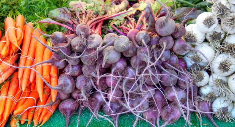 Légumes anciens d'hiver : comment les préparer ? Le radis noir et le salsifis.