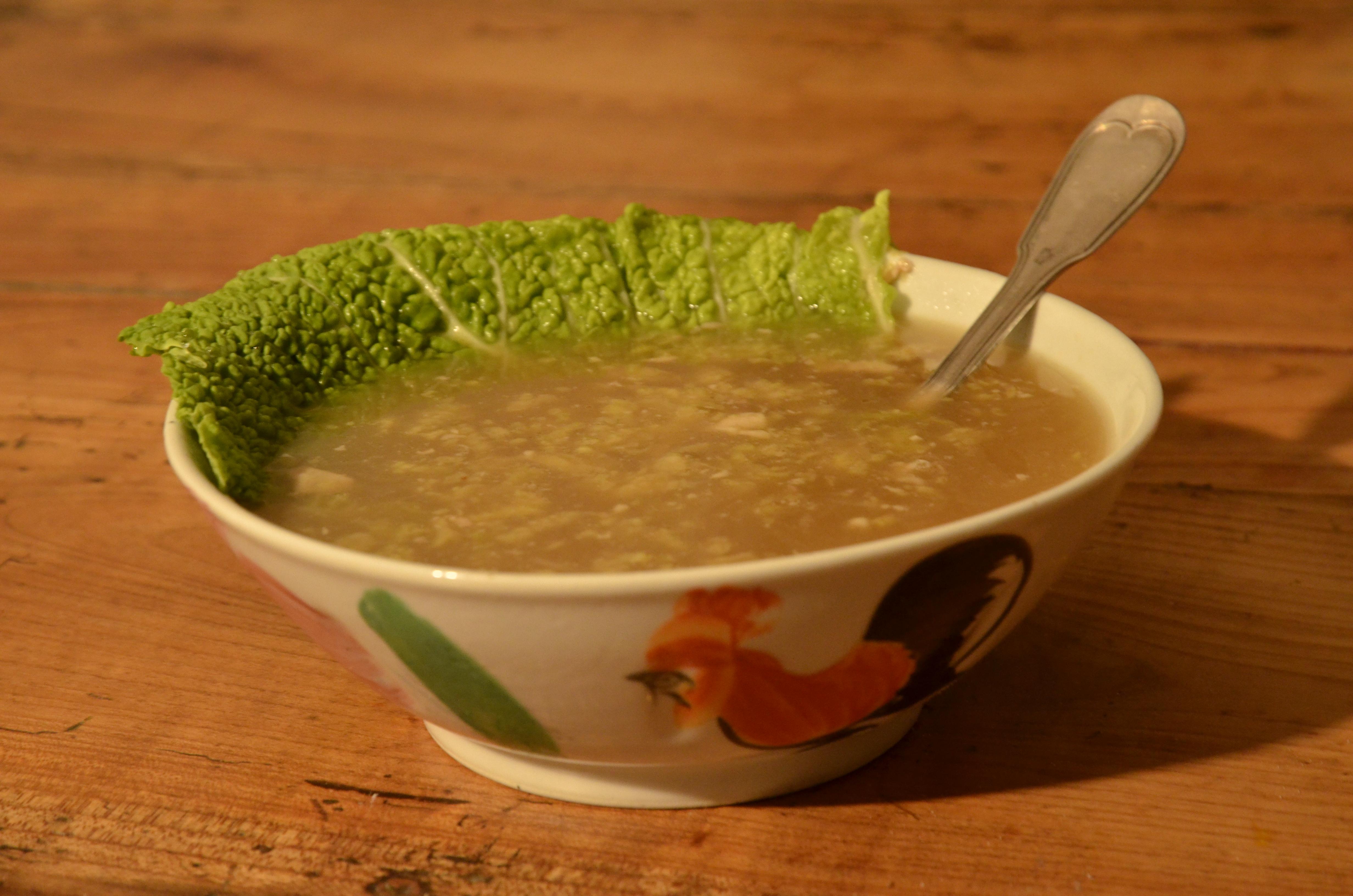 Soupe chinoise au chou, dite « Oreilles d'éléphant »