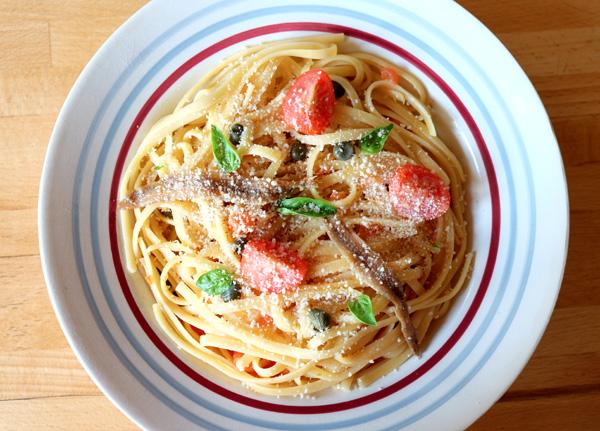 Spaghettis aux anchois et aux câpres