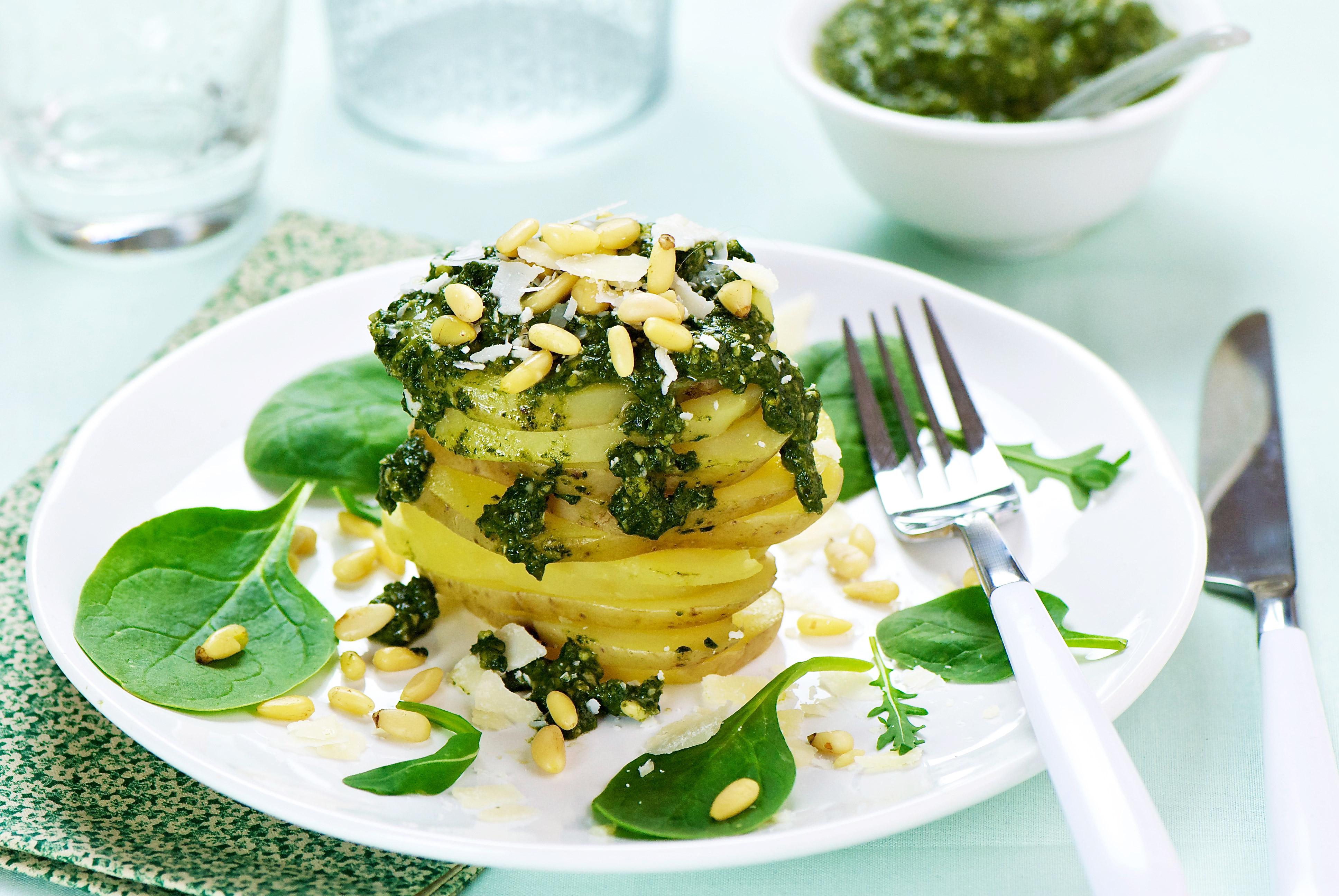Salade de pommes de terre, sauce verte
