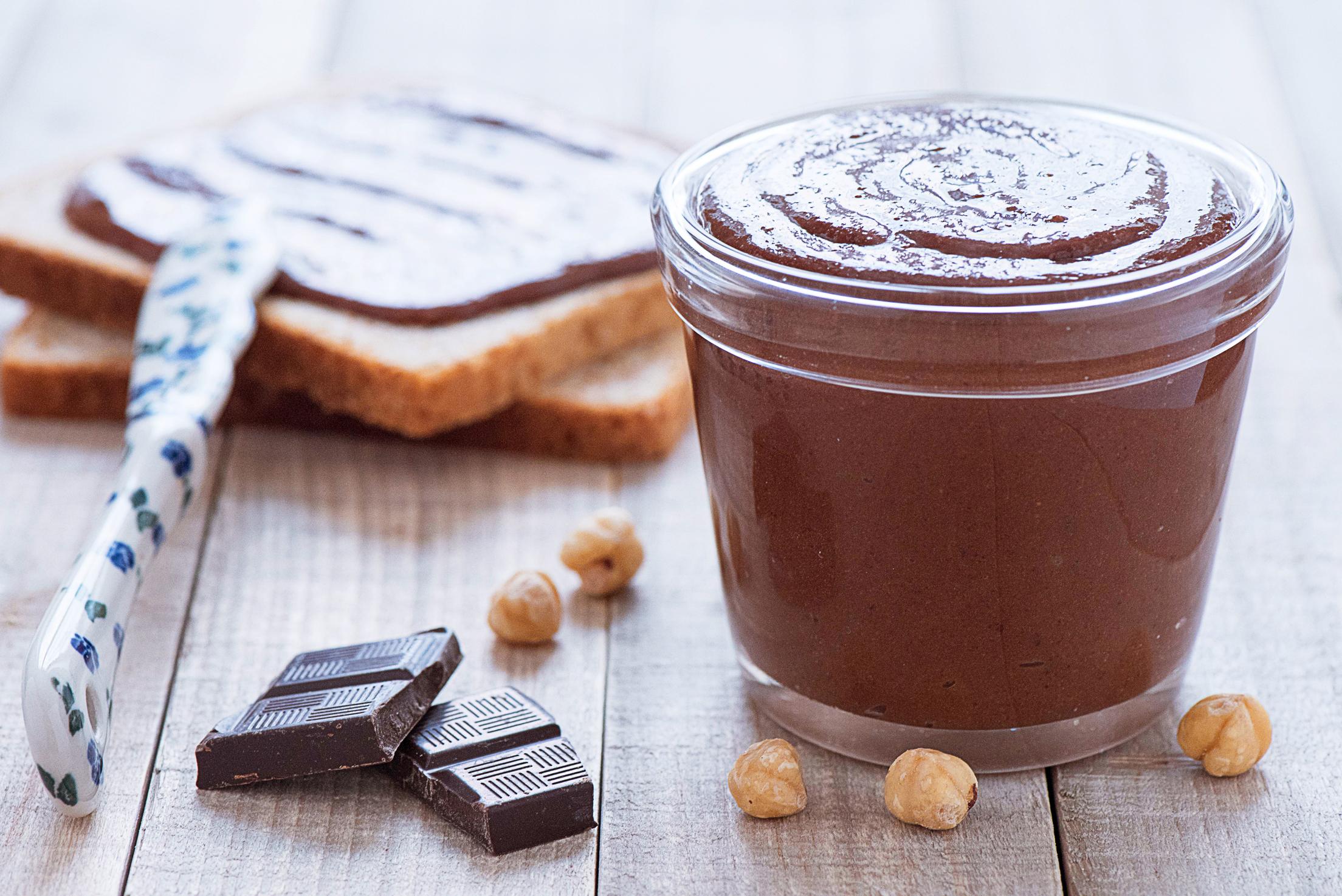 Pâte à tartiner au chocolat et aux noisettes