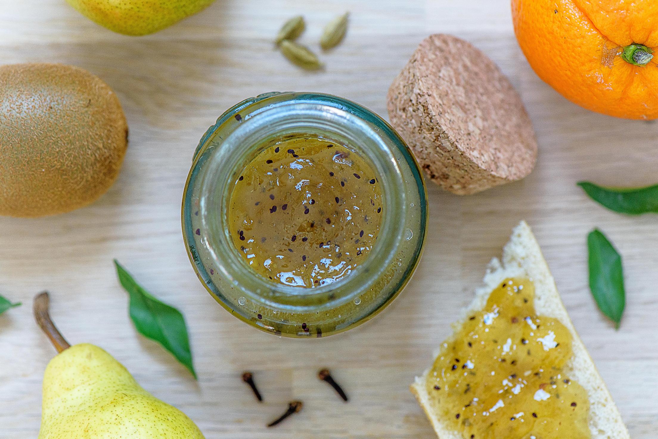 Confiture d'hiver à la poire, au kiwi et aux épices