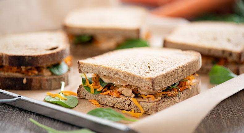 Croque carotte au beurre de cacahuète - DR Mon Quotidien Autrement - E. Montuclard
