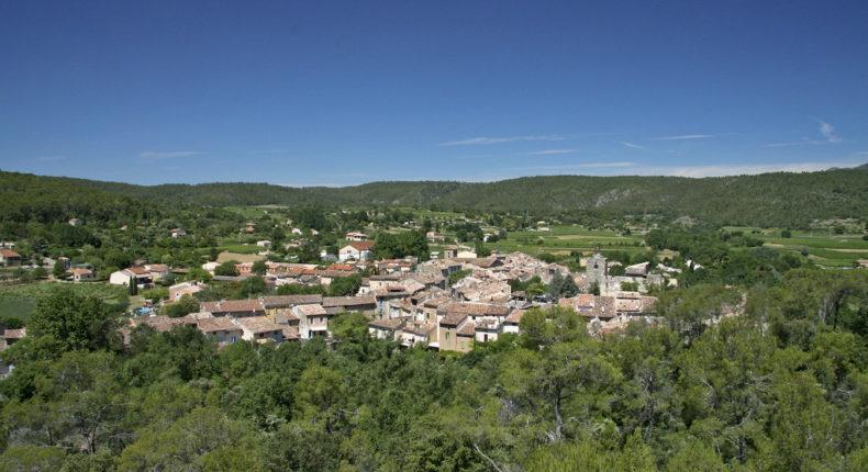 Le village de Correns.