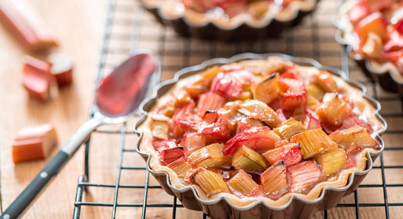 Tartelettes à la rhubarbe et crème d'amande au mascarpone - DR Mon Quotidien Autrement - E. Montuclard