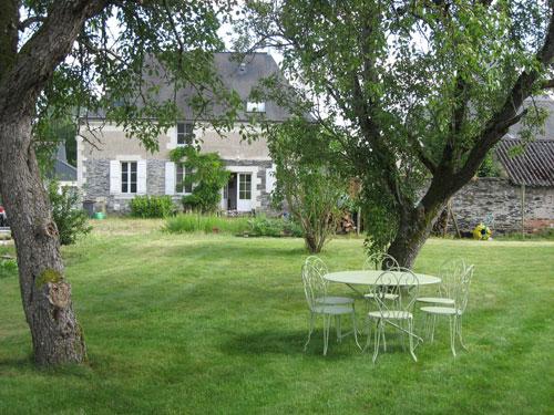 Chambres d'hôte et vannerie Saules et Cie à Corné - Anjou