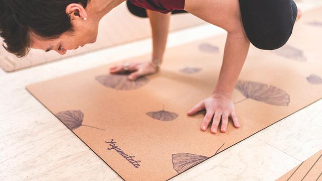 Les tapis de yoga existent en cinq modèles différents. © Yogamatata